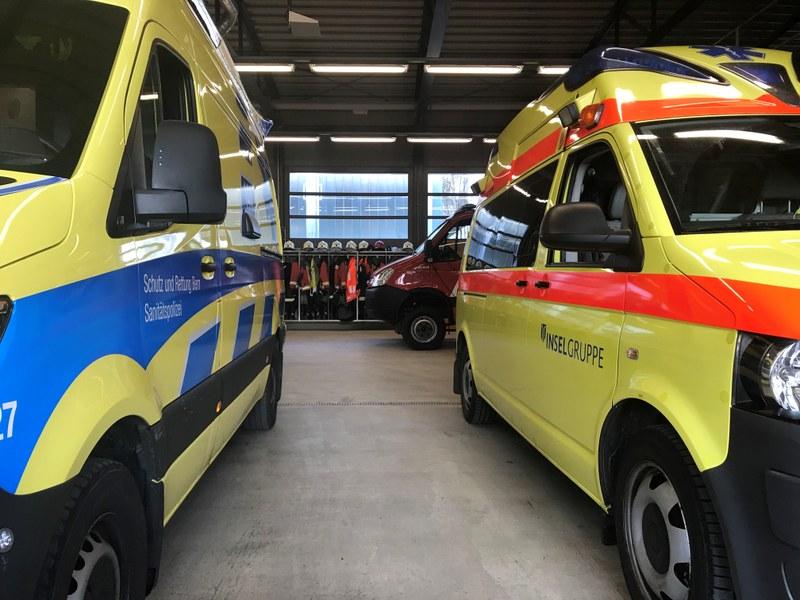 Warteraum für die beiden Ambulanzender Sanitätspolizei Bern (Schutz und Rettung Bern) und des Rettungsdienstes der Insel Gruppe im Gebäude der Feuerwehr Regio Belp.
