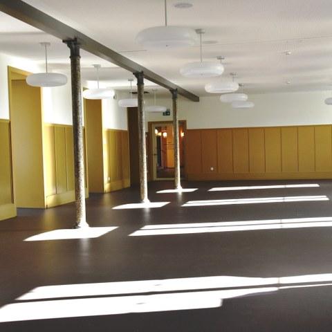 Saal Alters  und Pflegeheim Kühlewil Bild Pierre Steiner (JPG, 6,6 MB)