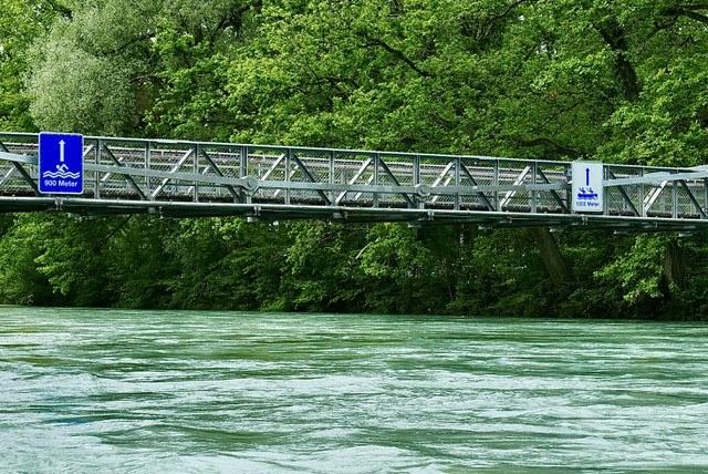 Signalisation am Schönausteg. Bild: Sportamt Stadt Bern.