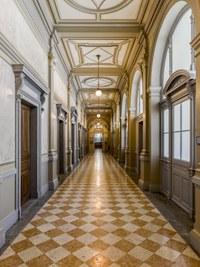 Bundeshaus Ost (Kochergasse 9), Korridor erstes OG | Bild Alexander Gempeler