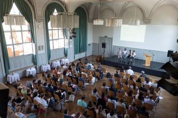 Integrationspreis 2018 Podiumsdiskussion Bild Sandra Blaser. Vergrösserte Ansicht