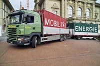 Container auf Lastwagen.
