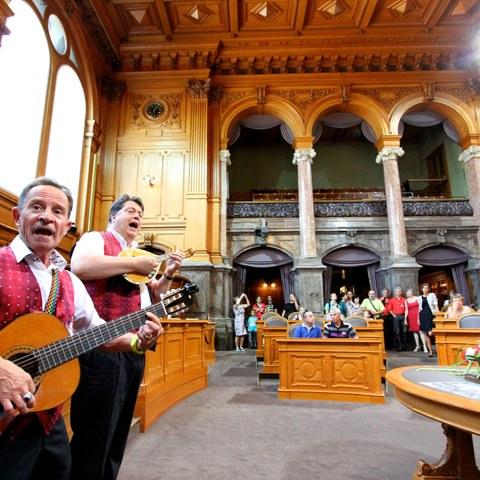 Das Bundeshaus und weitere Sehenswürdigkeiten öffnen am 1. August ihre Türen. (Bild: Pia Neuenschwander). Vergrösserte Ansicht