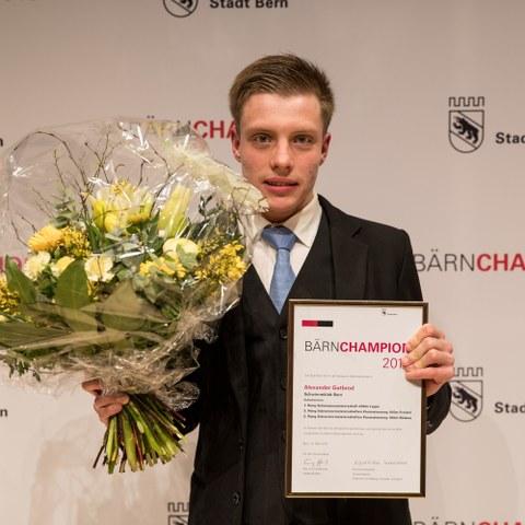 BÄRNCHAMPION 2016 Alexander Gutbrod Behindertensport (JPG, 3,1 MB). Vergrösserte Ansicht