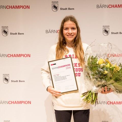 BÄRNCHAMPION 2016 Delia Sclabas Nachwuchssport (JPG, 3,1 MB). Vergrösserte Ansicht