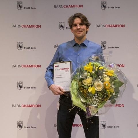 Bärnschampions 2017 Gabriel Lombriser, Sonderehrung. Vergrösserte Ansicht