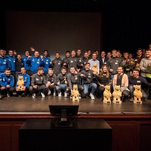 BaernChampion Gewinner Gruppenfoto 2 Bild Sportamt Stadt Bern. Vergrösserte Ansicht
