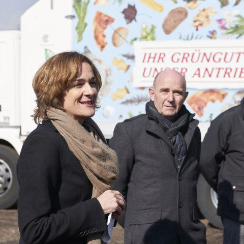Kompostieranlage Seeland Ursula Wyss, Walter Matter, Christian Haldimann Bild Nadine Strub. Vergrösserte Ansicht