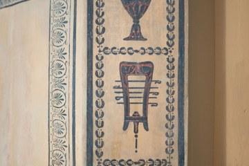 Detail der freigelegten etruskisch inspirierten Dekorationsmalerei Bild Peter Matthys 2020. Vergrösserte Ansicht