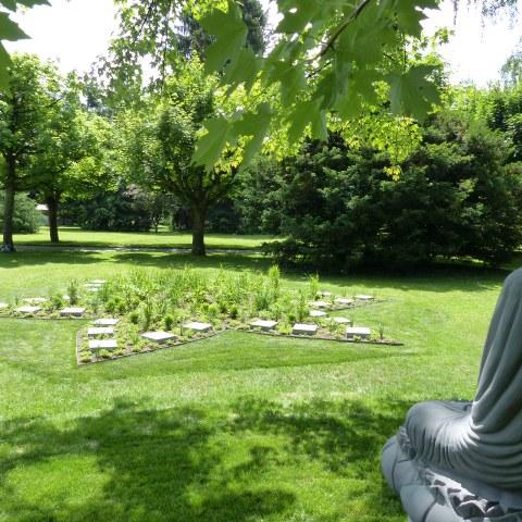 Buddha Garten Bremgartenfriedhof Bild 1. Vergrösserte Ansicht