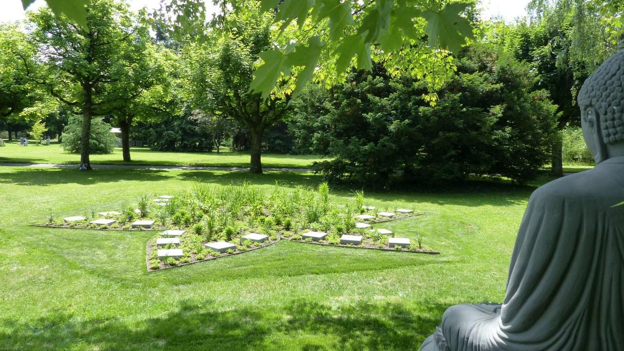 Buddha Garten Bremgartenfriedhof