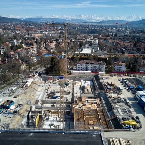 5 Luftaufnahme Baustelle Schwimmhalle. Vergrösserte Ansicht