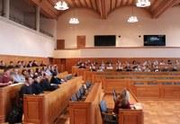 Jugendliche politisieren im Grossratssaal