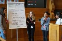 Kinderparlament: Präsentation Vorschläge Handynutzung