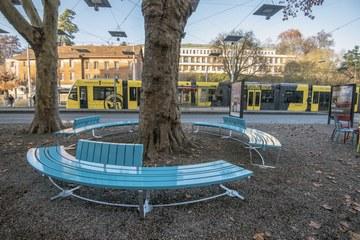 Sitzbank Loryplatz 1 Bild Alexander Egger, im Auftrag des Tiefbauamts der Stadt Bern. Vergrösserte Ansicht