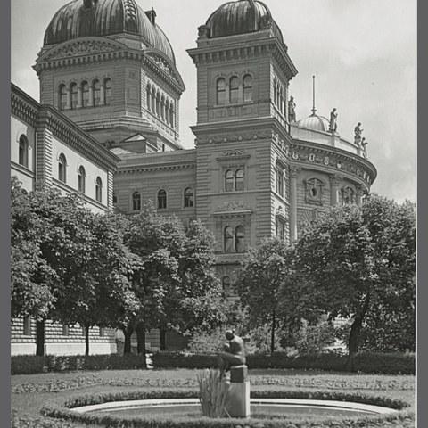 Bundeshaus mit Bundesterrasse (Bild: Stadtarchiv Bern). Vergrösserte Ansicht