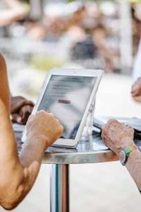 Symbolbild: Umfrage im Marzilibad