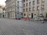 Bild Tische und Stühle Münsterplatz