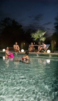 Sommernachtsbaden Bild: Martin Rhyner