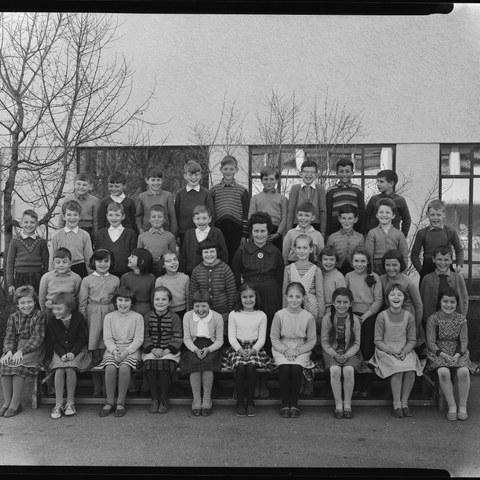 Bild Klasse von Frau Hadorn, Bethlehem 1961, Foto aus dem Nachlass Walter Wiedmer, Bümpliz (SAB 1304 8 0 3) (JPG, 3,2 MB). Vergrösserte Ansicht
