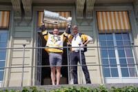 Mark Streit und Alec von Graffenried mit Stanley Cup im Erlacherhof