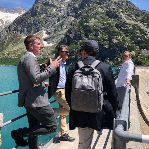 Gipfeltreffen Besichtigung Kraftwerk Oberhasli KWO im Grimselgebiet. Vergrösserte Ansicht