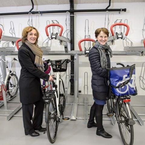 Eröffnung Velostation Schanzenpost Bild 1_Foto Béatrice Devènes. Vergrösserte Ansicht