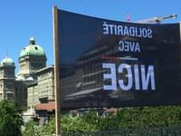 Banner Solidarität mit Nizza 1