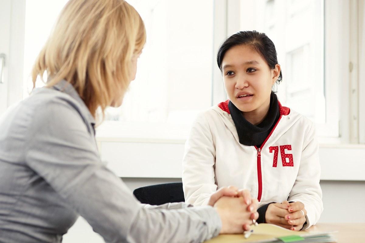 Jugendliche im Coachinggespräch