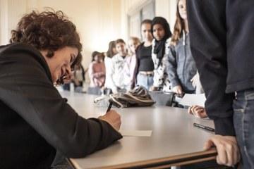 3. Autogrammstunde mit Regula Bühlmann. Vergrösserte Ansicht