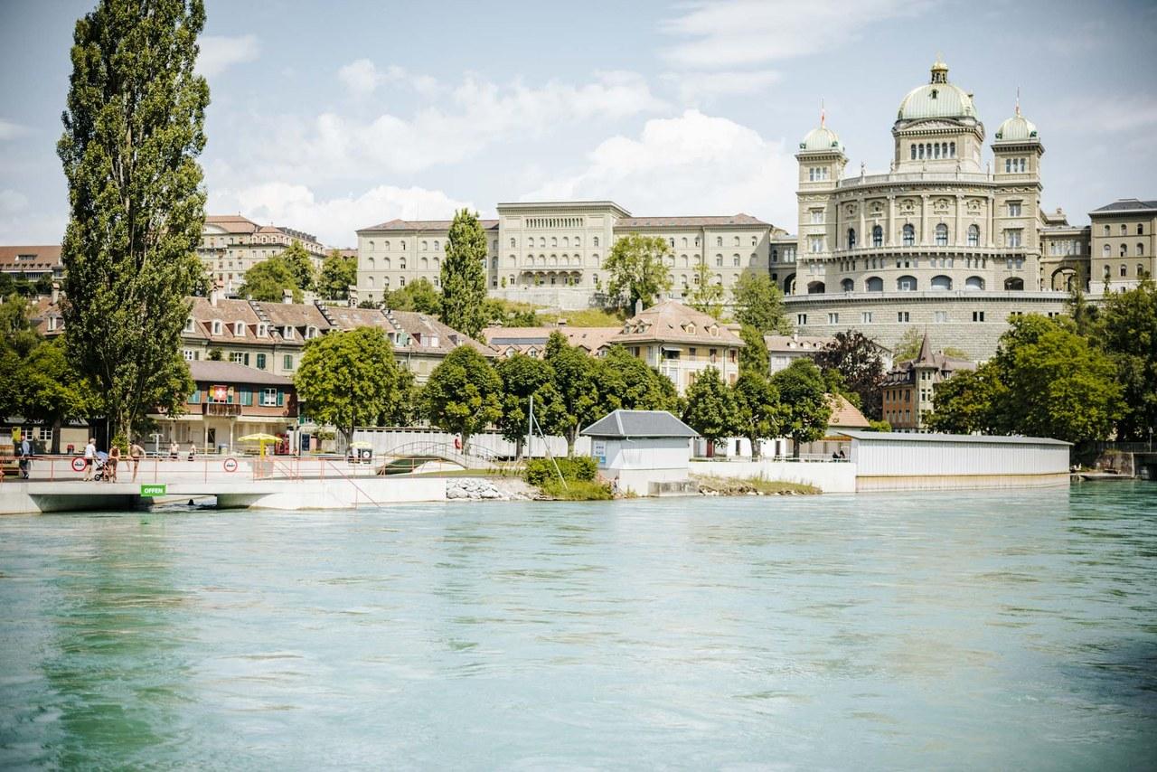 Marzili Bad mit Sicht aufs Bundeshaus