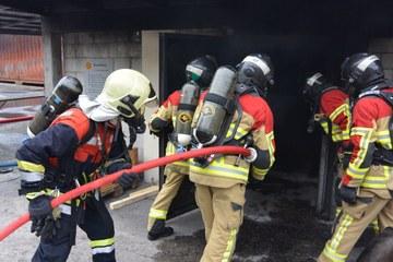Übung Brandcorps und Berufsfeuerwehr. Vergrösserte Ansicht