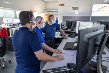 Vereint in der KEZ Bern: Polizei-, Feuerwehr- und Sanitätsnotruf. Vergrösserte Ansicht
