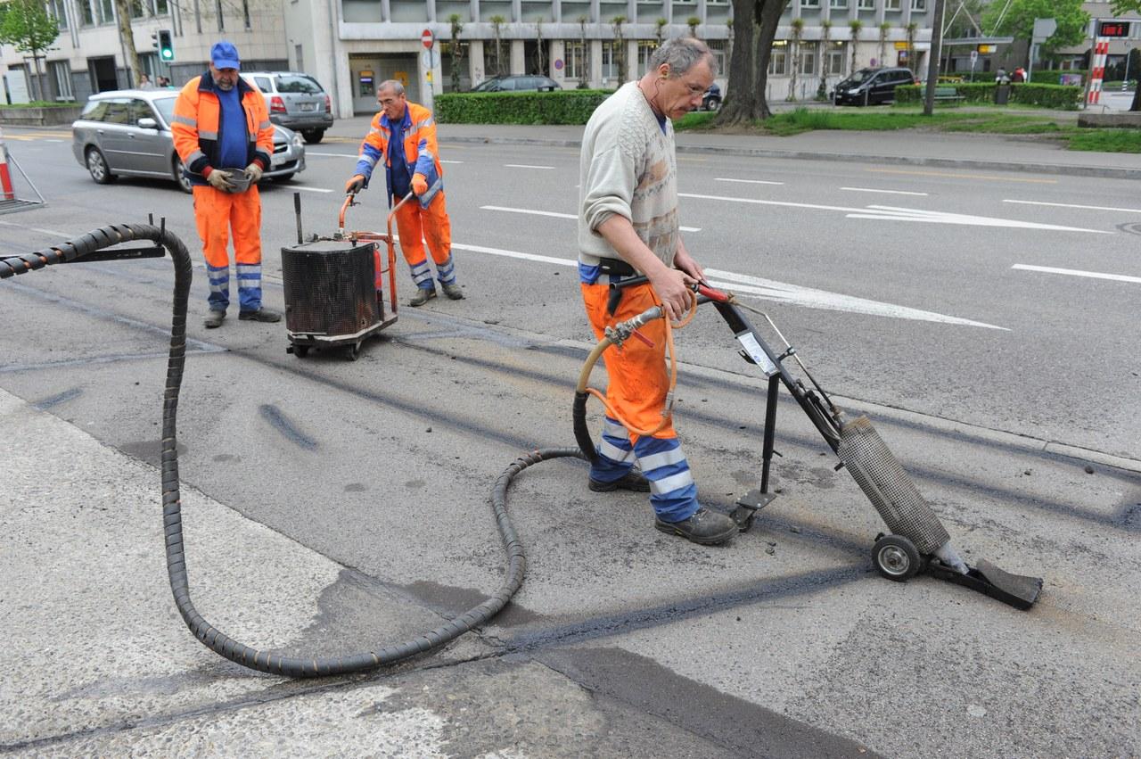 Areiten zur Rekonstruktion einer Strasse