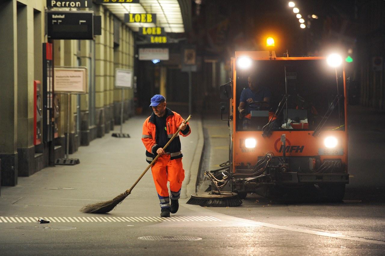 Die Reinigung der Strassen in der Stadt Bern