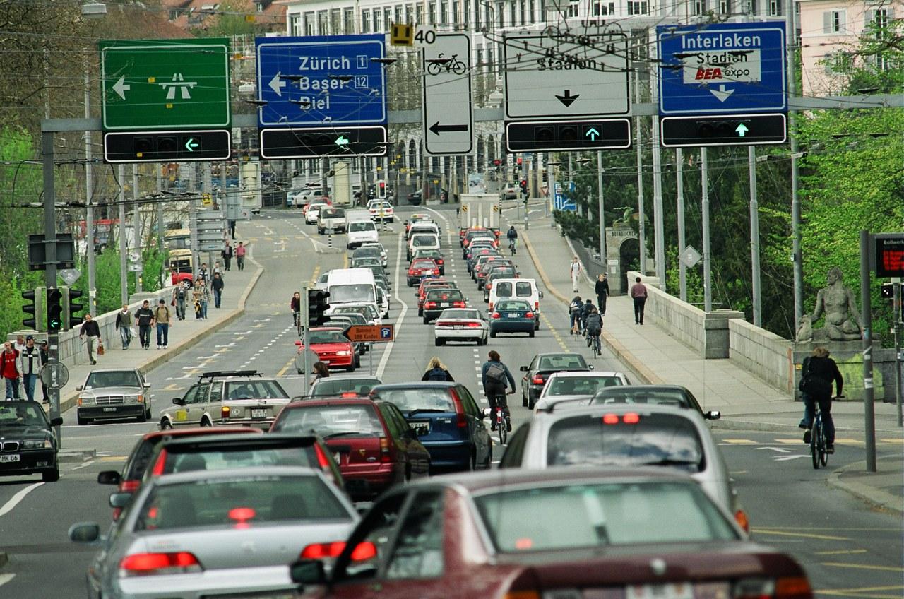 Strassenverkehr in der Stadt Bern