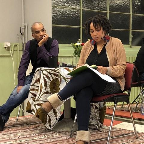 Exit Racism: Lesung mit Tupoka Ogette und Stephen Lawson (Cooperaxion). Vergrösserte Ansicht