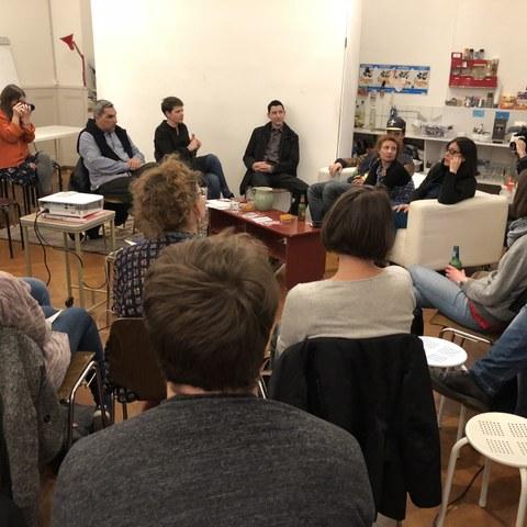Stammtisch gegen Antiziganismus, Publikum (Berner Rassismusstammtisch). Vergrösserte Ansicht