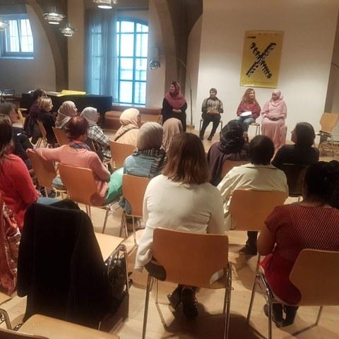 «Diskriminierung muslimischer Frauen» Podiumsd. Vergrösserte Ansicht