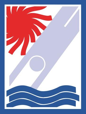 Bild zeigt eine Person, die ins Wasser springt, und eine heissrote Sonne.