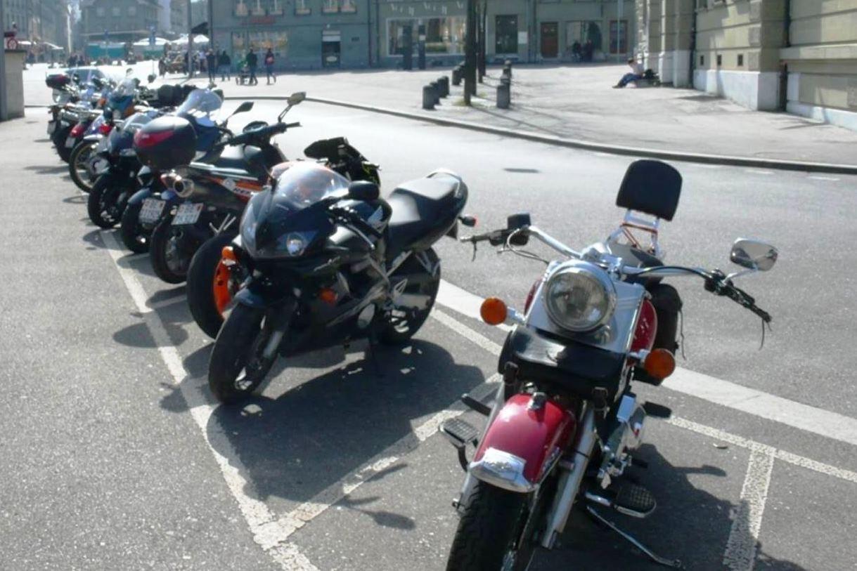 Motorradparkierung