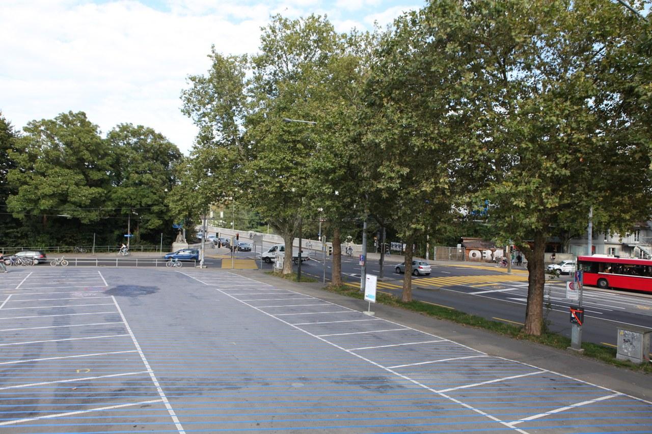 Leerer Schützenmatte Parkplatz