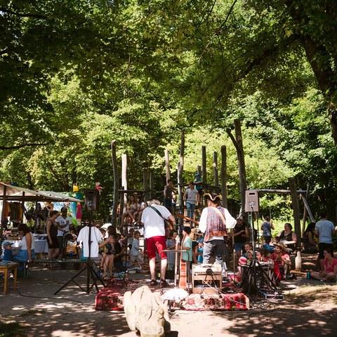 10 Kinderkonzert beim Naturmarkt P.Amez. Vergrösserte Ansicht