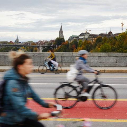 Mitarbeitende der Stadt benutzen vermehrt das Velo